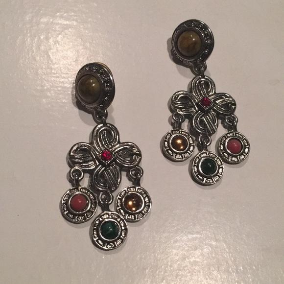 Jewelry - 🧜🏻♀️PRETTY EARRINGS🧜🏻♀️